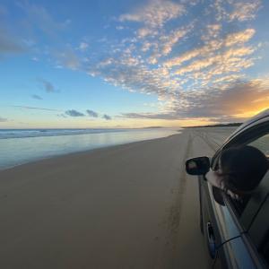 コフス三日目 夕方のビーチドライブ