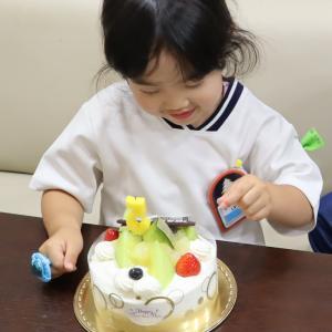 ハッピーバースデー☆5歳の誕生日を迎えました☆そして前歯2本がグラグラ…