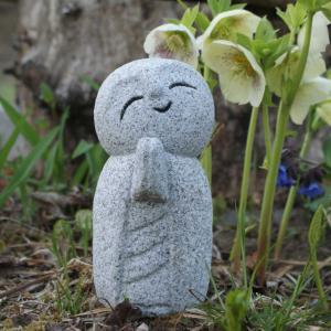 色を付けない石んこ地蔵も。自家製しいたけ、白菜の花、船岡の一目千本桜。