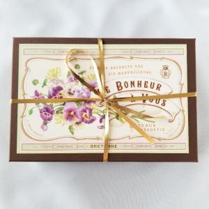 お花柄のアンティークな箱でとっても美味しい焼き菓子