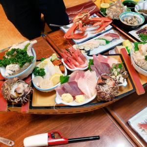 【朗報】佐渡の旅館の夕食、ヤバすぎる
