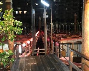 【北品川の運河から出る屋形舟、船清】