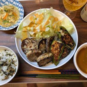 ピーマン肉詰め、レンコンの挟み焼き、カレースープ、卵とじお野菜