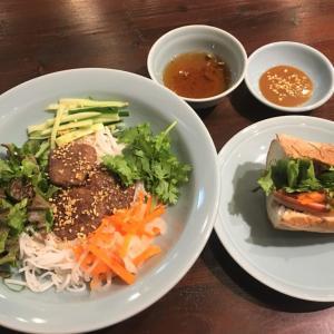 ブンチャーとバインミーのセット @ ベトナムカフェ チョムチョム (箕面市)