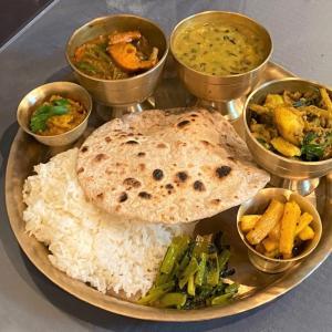 6種類の豆を使ったダル @ ネパールのごちそう jujudhau ズーズーダゥ (池田市)
