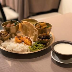 南瓜とじゃが芋のタルカリ @ ネパールのごちそう jujudhau ズーズーダゥ (池田市)