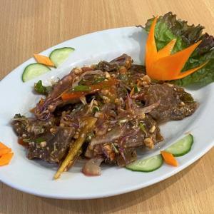 牛すね肉醤油漬けと野菜入り酢 @ ロックちゃん BAO LOC QUAN (神戸市兵庫区)