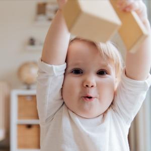 赤ちゃんを守るための我が家の安全対策!テレビ台周辺や激安グッズで安心できる部屋づくり