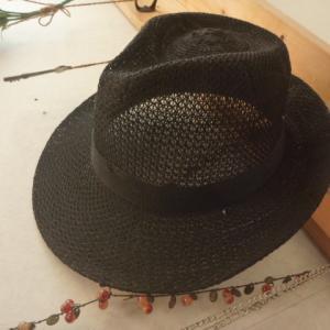 100円の帽子と8500円のスールのコラボ