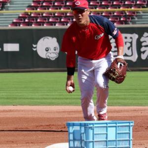 【悲報】広島佐々岡新監督、せっかく開花した西川にまた三塁挑戦させてしまう