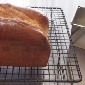 黒糖食パンとゆで卵