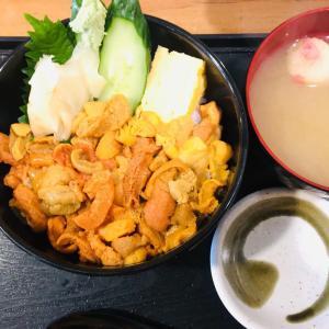 六花亭のヨーグルトと市場で贅沢うに丼の朝ごはん@さっぽろ朝市 丼兵衛