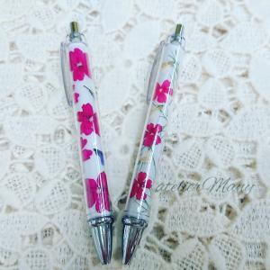 【とっても軽くて使いやすい押し花ボールペン】