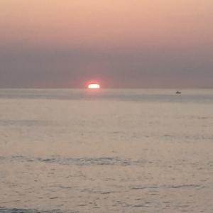 日本で2番目の東の空 水平線からの太陽