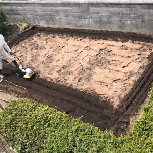 [2021家庭菜園]畑に肥料(鶏ふん)を撒きました〜