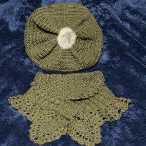 ベレー帽とカウルのセット