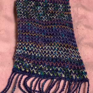 アフガン編みのマフラー