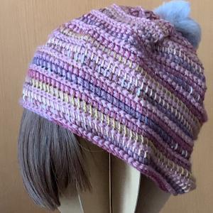 シンプルなニット帽