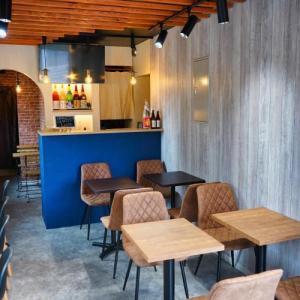 東京スカイツリー目の前に沖縄コンセプトカフェ&バー「おきまろ」オープン