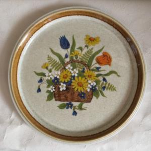 ミカサのストーンウェアの大皿 ディナープレート