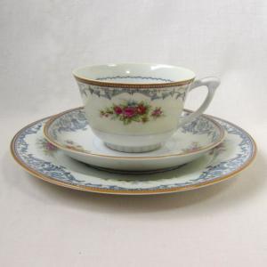 ナルミとサンゴー 花柄のレトロなカップ&ソーサー 鳴海製陶 三郷陶器