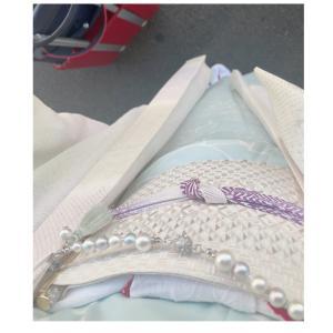 昨日と今日はファスナーで衿が変えられるき楽っくです。