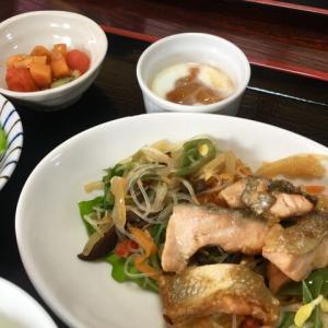 秋鮭と野菜たっぷり南蛮酢