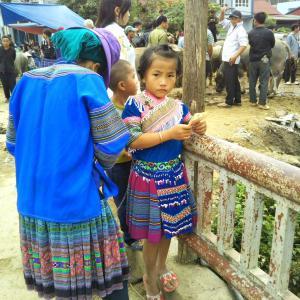 定年でもベトナム。ハノイで始める、お仕事日記 145 - 花モン族の「なんちゃって衣装」(2019年10月20日/50日め)