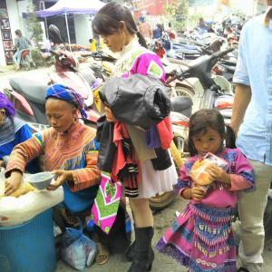 定年でもベトナム。ハノイで始める、お仕事日記 146 - 花モン族の「ファミレス」(2019年10月20日/50日め)