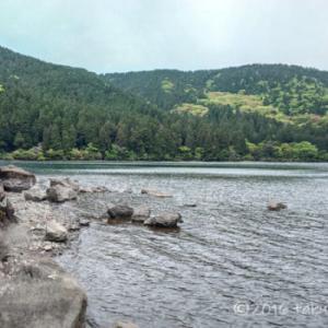 初の芦ノ湖でトラウトフィッシングはウェーダーでショアジギング!