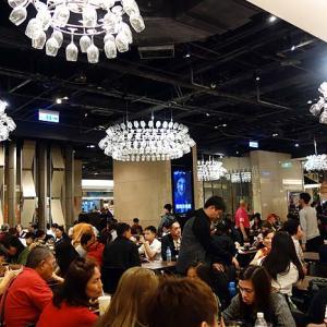 台北101のフードコート美食街は約40もの店舗があり他のどこにも負けない世界グルメの集大成!(台湾)