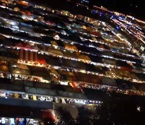 【タイバンコク】インスタ映えスポットの名所:ラチャダー鉄道市場の行き方(タラート・ナット・ロット・ファイ・ラチャダー)Talat Rotfai Ratchada