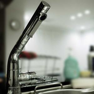 ほうき水栓にフットスイッチをつなぐ(つづき)