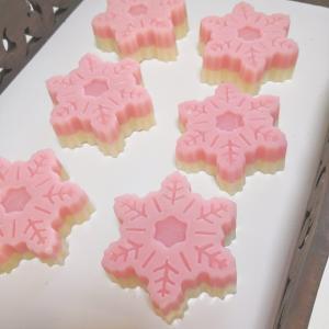 ☆ ピンクの雪の結晶手作り石けんができました☆