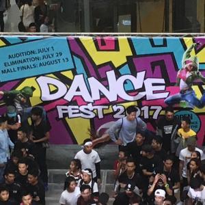 フィリピンの歌唱力とダンスがすごい!