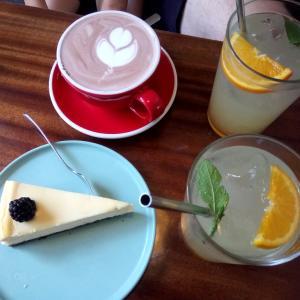 cafe bardzoとアイス/ Poznan