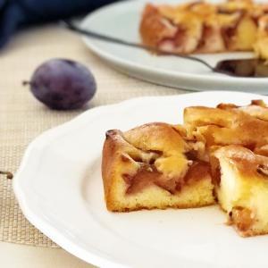 旬の味がたまらない♪フレッシュプルーンのしかくいケーキ