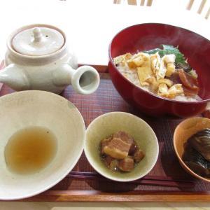 「本日オープン、磯上公園北西のお茶漬け専門店(^_^)~茶漬 二種小鉢付~茶だし昆布濃厚」
