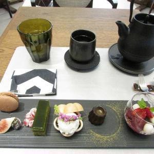 「本日オープン、神戸市立博物館内のTOOTH TOOTHが手掛ける茶房(^_^)ティーセット」