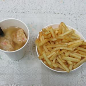 「先週オープン、新長田1番街西沿いポテトテイクアウト&店内ちょい呑み屋~ポテト・タコスープ」