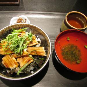 「本日オープン、大丸神戸店B1Fの生鮮売場の神戸の海鮮丼と漁師にぎり飯の店~天然焼き穴子丼」