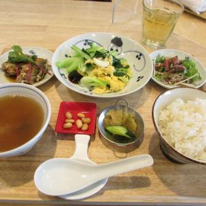 「阪神電車御影駅南西、上中交差点南東のチャイニーズレストラン(^_^)~おまかせ中華ランチ」