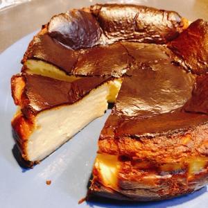 初バスクチーズケーキ