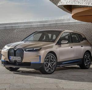 BMW iX 公開