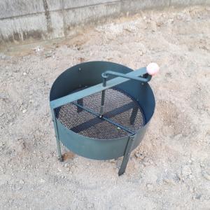花壇の再生と、砂場の畑化計画 2