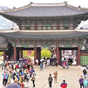 歪な形で発展した韓国、世界から四面楚歌
