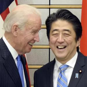 「バイデンと先に会うのは俺だ」日韓両首脳が火花