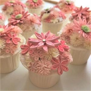 ★お花を集めてピンクのカップケーキ作りに挑戦