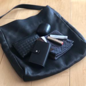 20代OLミニマリストの通勤バッグの中身は、これがあれば最強って思えるアイテムだけを厳選。