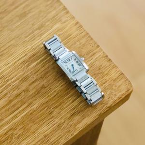 30歳記念で女性ミニマリストが選んだ、シンプルで一生モノな時計